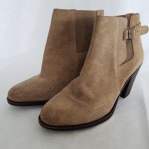 Ladies Lucky brand  tan booties boots esperanza